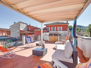 2 bedroom Villa in Camaiore, Tuscany, Italy : ref 5541451