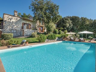 5 bedroom Villa in Testaccio, Umbria, Italy : ref 5542349