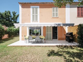 3 bedroom Villa in Puget-sur-Argens, Provence-Alpes-Cote d'Azur, France : ref 55