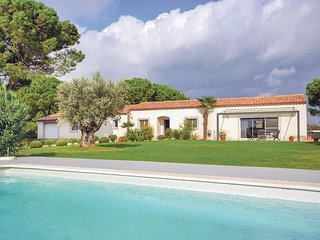 4 bedroom Villa in Montcalm, Occitania, France : ref 5539208