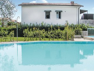 2 bedroom Villa in Bardolino, Veneto, Italy : ref 5548440