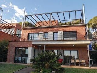 4 bedroom Villa in Urbanitzacio Feliu, Catalonia, Spain : ref 5542003