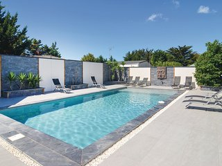 5 bedroom Villa in Le Grau-d'Agde, Occitania, France : ref 5540989
