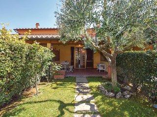 2 bedroom Villa in Cecina, Tuscany, Italy : ref 5545437