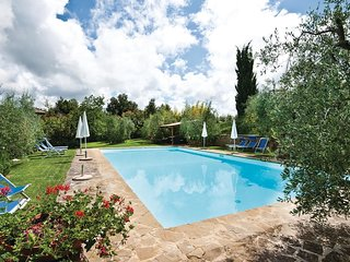 2 bedroom Apartment in Poggio di Villore, Tuscany, Italy : ref 5540219