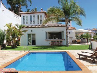 3 bedroom Villa in Almuñécar, Andalusia, Spain - 5542350