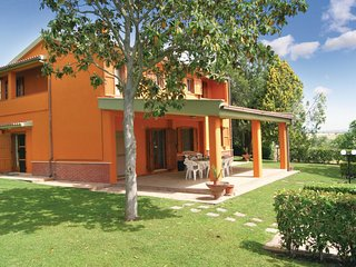 5 bedroom Villa in Montalto di Castro, Latium, Italy : ref 5539925