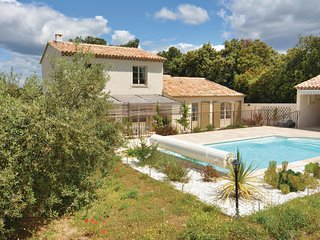 4 bedroom Villa in Eygalieres, Provence-Alpes-Cote d'Azur, France : ref 5539384