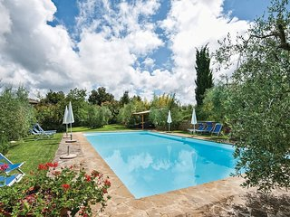 2 bedroom Apartment in Poggio di Villore, Tuscany, Italy : ref 5540196