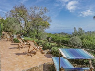 2 bedroom Villa in Cavo, Tuscany, Italy : ref 5540203