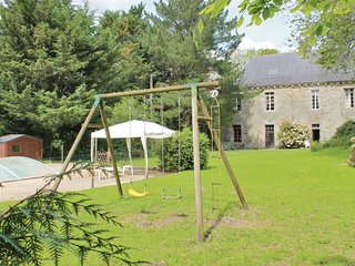 6 bedroom Villa in Coatqueveran, Brittany, France : ref 5540984