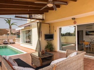 Casa Atun 70 Mondrago w/ pool, WiFi + parking