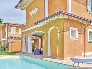 3 bedroom Villa in Solarolo Rainerio, Lombardy, Italy : ref 5540688