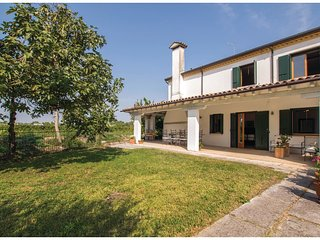 3 bedroom Villa in Cendon, Veneto, Italy : ref 5547366