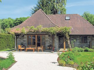 2 bedroom Villa in Saint-Front-la-Riviere, Nouvelle-Aquitaine, France : ref 5548