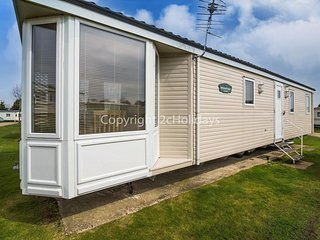 8 Berth caravan in Breydon Water Holiday Park REF 10041 Roman Parade