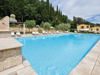 3 bedroom Villa in Monteverdi Marittimo, Tuscany, Italy : ref 5540892
