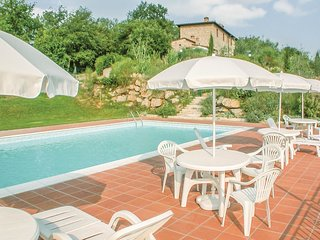 2 bedroom Apartment in Monti, Tuscany, Italy : ref 5550629