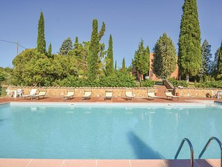 4 bedroom Apartment in Poggio Saragio, Tuscany, Italy : ref 5547443