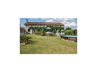 4 bedroom Villa in Lizant, Nouvelle-Aquitaine, France : ref 5546751