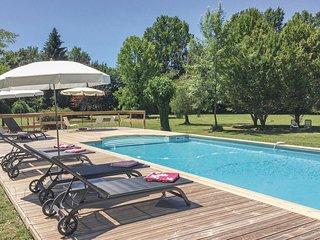 6 bedroom Villa in Serres-et-Montguyard, Nouvelle-Aquitaine, France : ref 553884