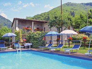 3 bedroom Villa in Sant'Anna, Tuscany, Italy - 5540308