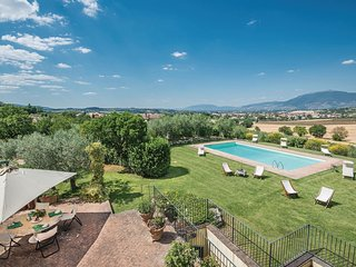 4 bedroom Villa in Spoleto, Umbria, Italy : ref 5540599
