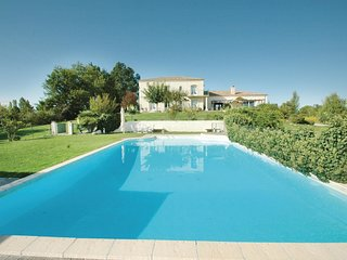 6 bedroom Villa in Dolmayrac, Nouvelle-Aquitaine, France : ref 5548138