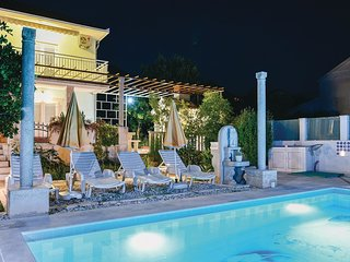 5 bedroom Villa in Orebic, Dubrovacko-Neretvanska Zupanija, Croatia : ref 556301