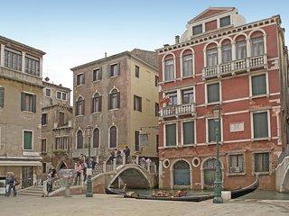 2 bedroom Apartment in Venice, Veneto, Italy : ref 5540791