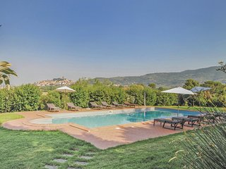 3 bedroom Villa in Il Poggiolo, Tuscany, Italy : ref 5540134