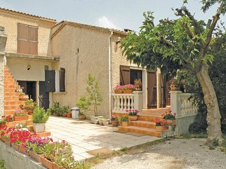 4 bedroom Villa in Velleron, Provence-Alpes-Cote d'Azur, France : ref 5539409