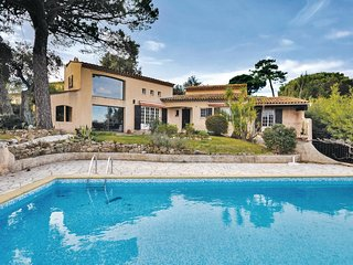 4 bedroom Villa in Port Cogolin, Provence-Alpes-Cote d'Azur, France : ref 553908