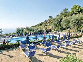 2 bedroom Apartment in Arenaccia, Campania, Italy : ref 5576613