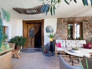 Preciosa casa con piscina, jardín y wifi
