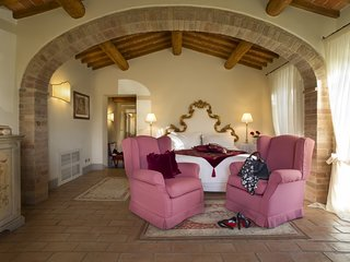 Tuscan Dream Compound - Junior Suite 1