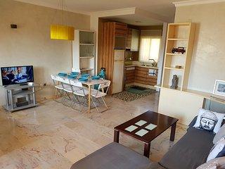 Bel appartement en duplex, tres lumineux, piscine, jusqu'a 7 personnes