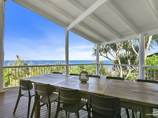 FAMILY BEACH HOUSE - large beach house overlooking the ocean and pet friendly.