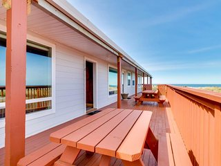 NEW LISTING! Dog-friendly, waterfront condo w/ocean views - moments from beach