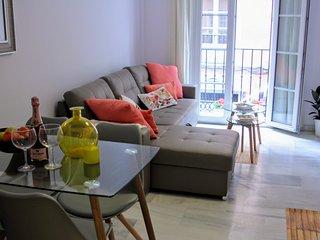 Apartamento Luxury Atarazana con 2 dormitorios y balcón (Centro Histórico)