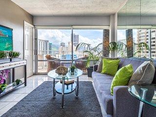 Ocean Front New Modern 1 Bdr Ilikai Hotel