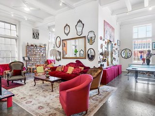 Nola, ARTISTIC Warehouse Conversion