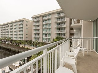 Full-Service Apartment | Balcony, Full Kitchen, Pool + Hot Tub Access