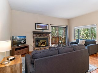 Lake Tahoe Condo- Prime Location, Walk To Downtown