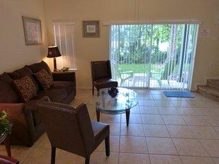 8433CCL. 3 Bedroom 2.5 Bathroom Townhouse In Emerald Island Resort