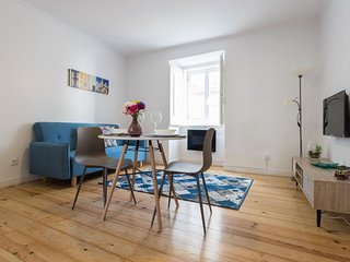 Martim Moniz Lovely apartment in Graça with WiFi.