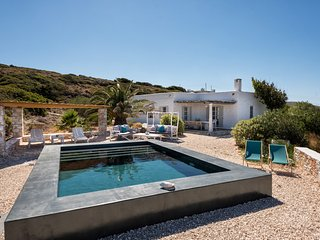 Villa Motet at unique location with capacity 9-15 people and amazing sea views!