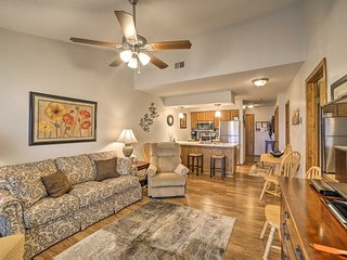 NEW! Cozy Condo 2mi from Silver Dollar City!