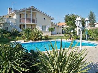 Appartement T2 dans villa avec grande Terrasse et piscine, aux portes d'Arcachon