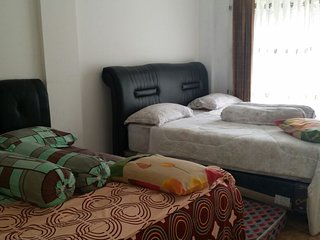 Villa PInggir Danau Puncak Vila L7